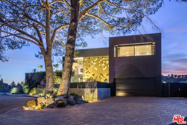 Facade in a $12,500,000 Beverly Hills home for sale