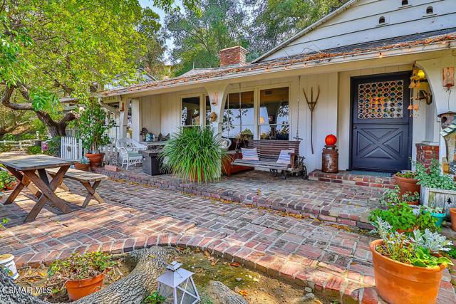 3583 Woodhill Canyon Road, Studio City, CA 91604