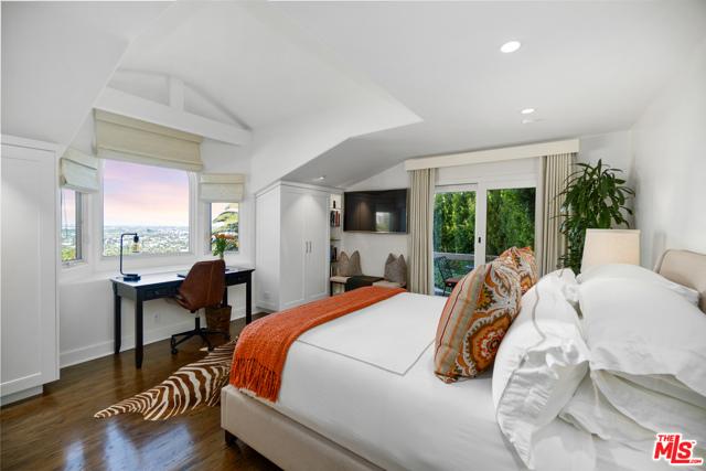 7. 1478 Stebbins Terrace Los Angeles, CA 90069