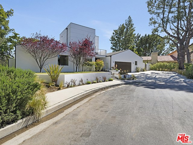 44. 15514 Casiano Court Los Angeles, CA 90077