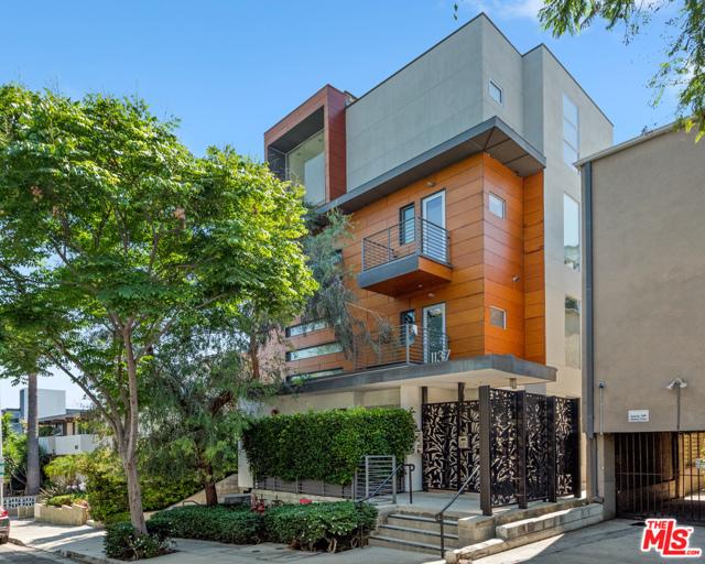 1137 Hacienda Place West Hollywood, CA 90069