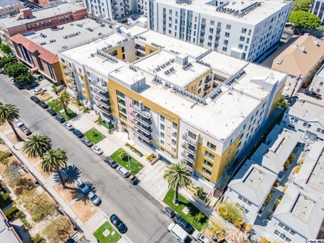 2. 2939 Leeward Avenue #215 Los Angeles, CA 90005