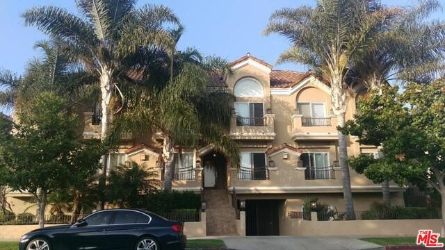 1740 S WESTGATE Avenue F, Los Angeles, CA 90025