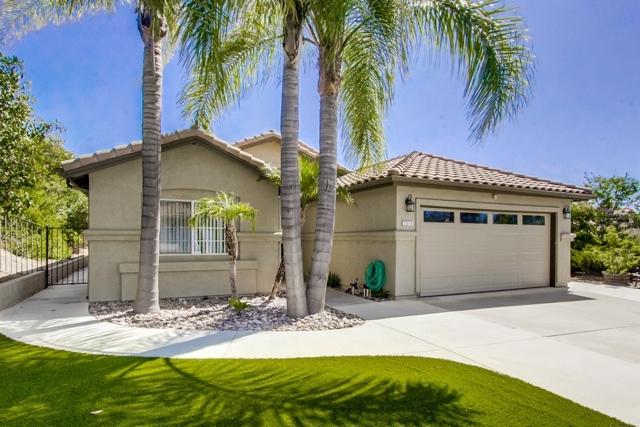 2313 Hyacinth Rd, Alpine, CA 91901