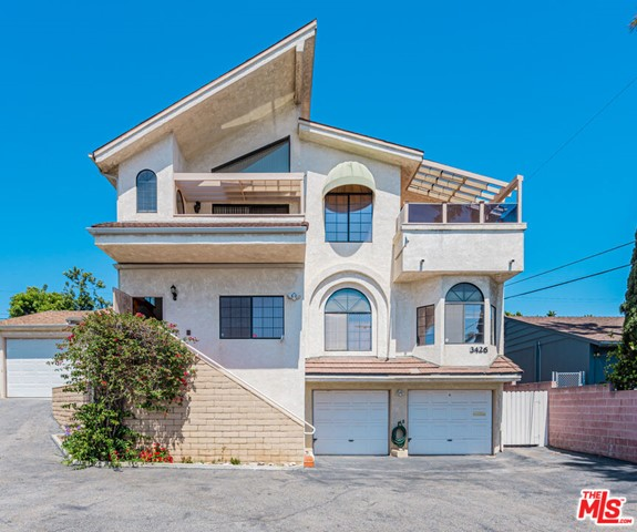 We are pleased to offer this 9 unit apartment complex and home (to be delivered vacant) in the Westside. The house is 5 bedroom/3.75 bathrooms with city and ocean views. Great opportunity for an Owner-User! Minutes from the beach, Montana Ave, Third Street Promenade, Venice Boardwalk, and much more. This property epitomizes Southern California coastal community. Great unit mix consisting of:  two - Singles;   three - 1-bedroom / 1-bathroom;  three - 2-bedroom / 1-bathroom; one - 3-bedroom / 1.75-bathroom; and 3426 Centinela - House - 5 bedroom / 3.75-bathroom.