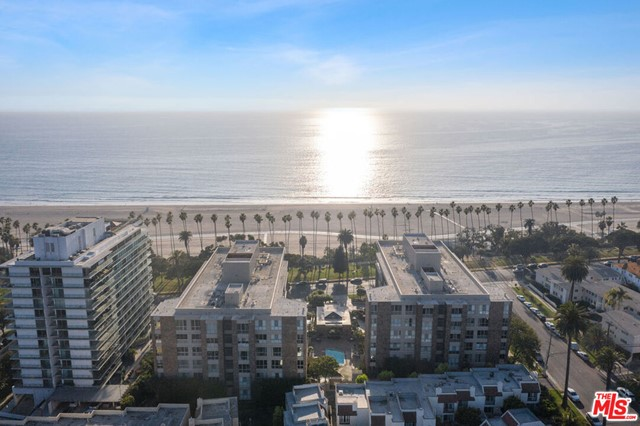 Beautifully remodeled 2 bed, 2 bath unit available in the prestigious Park Plaza, with ocean views from the balcony, living room, and master bedroom. The unit features an abundance of natural light, high ceilings, ample closet space, spacious bedrooms, and high-end finishes throughout. The Kitchen boasts top of the line European stainless appliances as well as a Pura-flow water filtration system. Centrally located in the heart of Santa Monica - just steps from the Pacific Ocean, Palisades Park, & Montana Avenue shops and restaurants. Building has doorman, private intercom, concierge, fitness room, sauna, outdoor pool/spa, meeting room, and valet parking.