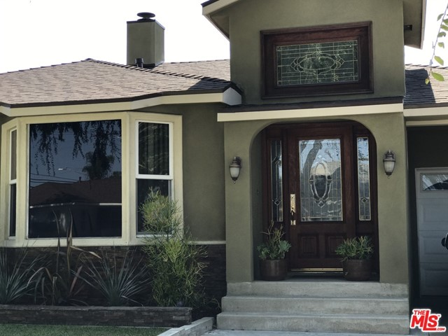 13429 Traub Avenue, Los Angeles, CA 90059