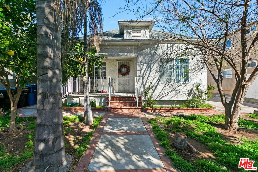4055  Sequoia Street