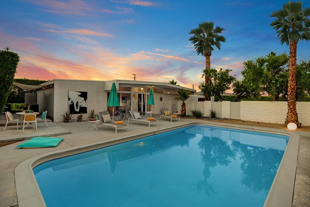 3390 E Paseo Barbara Palm Springs, CA 92262