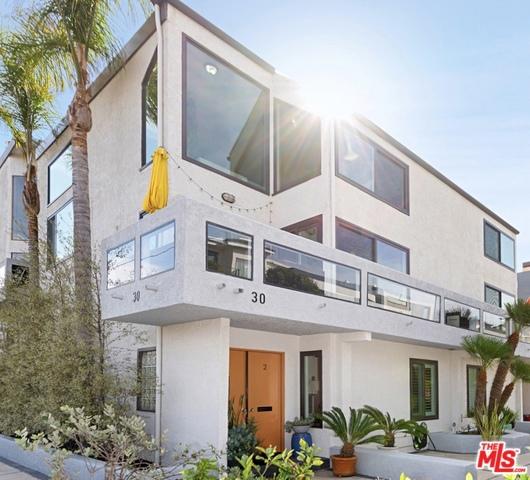 30 QUARTERDECK Street 2, Marina del Rey, CA 90292