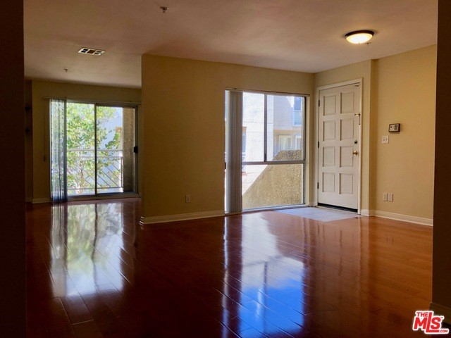 110 W MAPLE Street 30, Glendale, CA 91204
