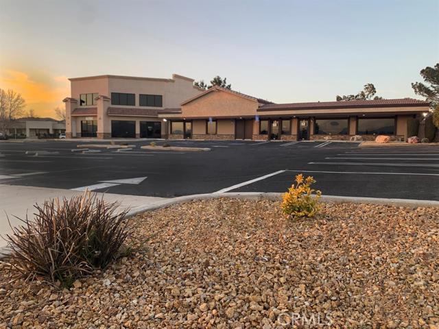 18270 Siskiyou Road, Apple Valley, CA 92307