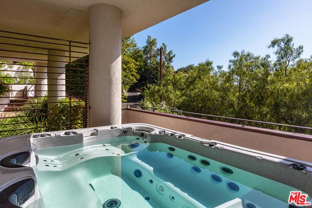 22. 21070 Las Flores Mesa Drive Malibu, CA 90265
