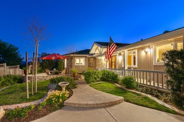 2051 Vista Hermosa Way, El Cajon, CA 92019