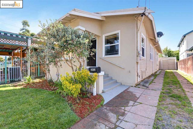 2452 Humboldt Ave, Oakland, CA 94601