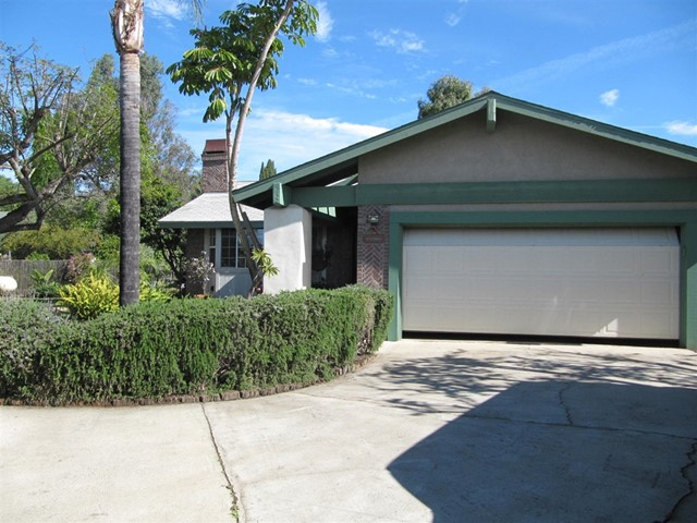 1448 E Taylor St, Vista, CA 92084
