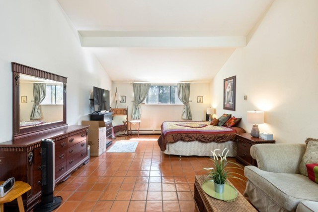 21. 2040 Middlefield Road #24 Mountain View, CA 94043