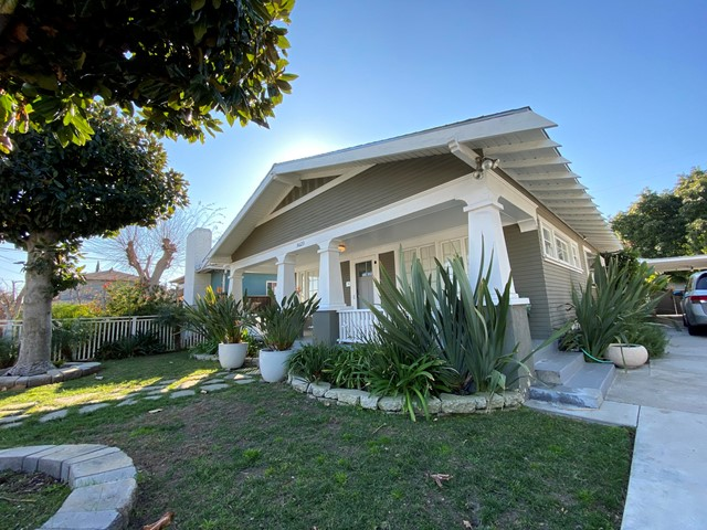 5623 Beck Avenue, North Hollywood, CA 91601