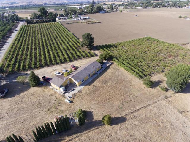451 Los Viboras Road, Hollister, CA 95023