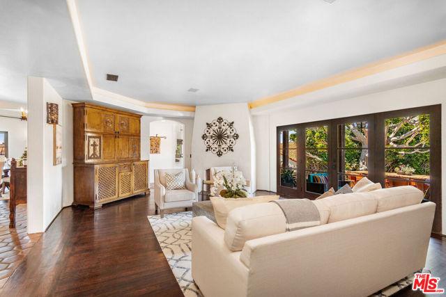 16. 453 Via Media Palos Verdes Estates, CA 90274