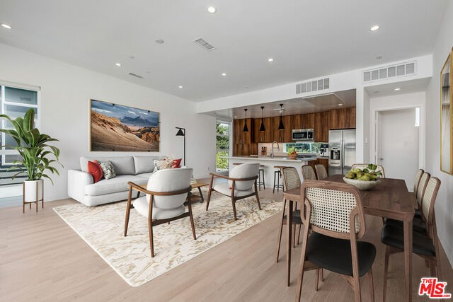 855 Hyperion, Los Angeles, CA 90029