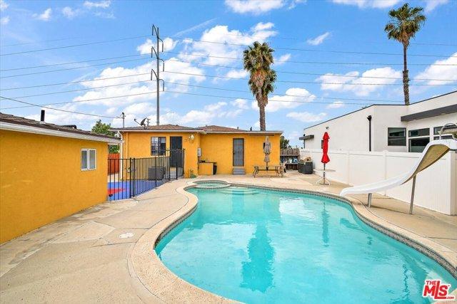 37. 6002 S La Cienega Boulevard Los Angeles, CA 90056