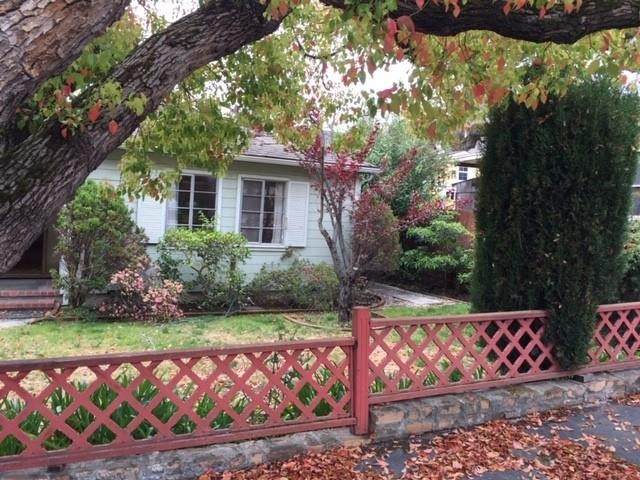 2071 Sterling Avenue, Menlo Park, CA 94025