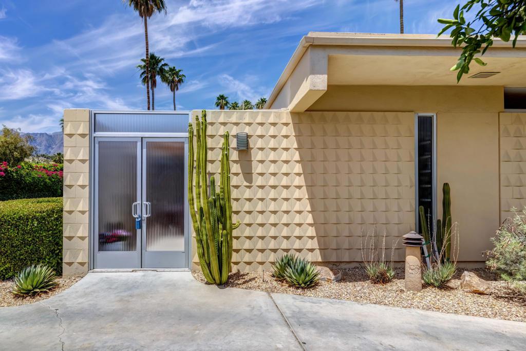 12     Desert Lakes Drive, Palm Springs CA 92264