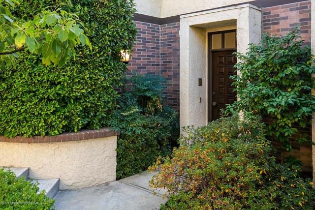 885 S Orange Grove Boulevard 18, Pasadena, CA 91105