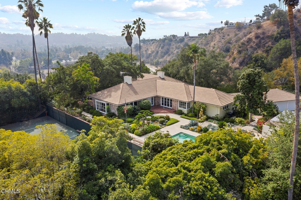 Photo of 1065 S San Rafael Avenue, Pasadena, CA 91105