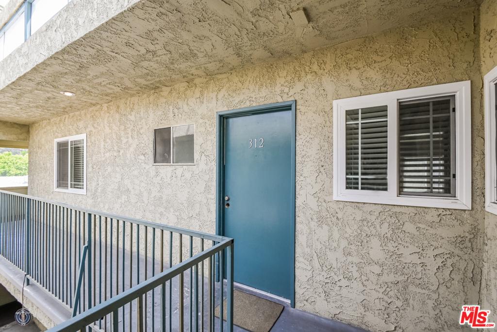 2344     Fletcher Drive   312, Los Angeles CA 90039