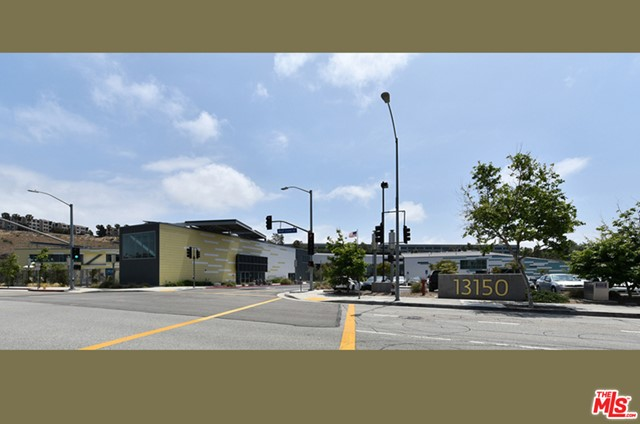 24. 5625 W Crescent Parkway #307 Playa Vista, CA 90094