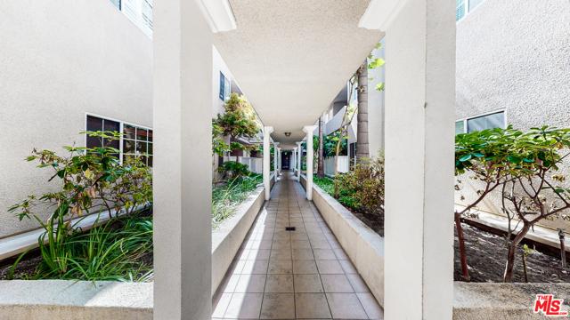 5. 1228 14Th Street #101 Santa Monica, CA 90404