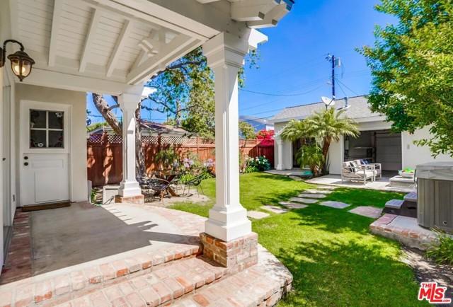 34. 1724 S Carmelina Avenue Los Angeles, CA 90025