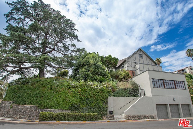 Image 5 of 3705 Lowry Rd, Los Angeles, CA 90027