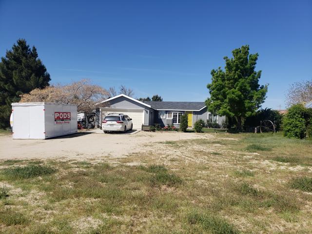 9261 60th Street W, Mojave, CA 93501