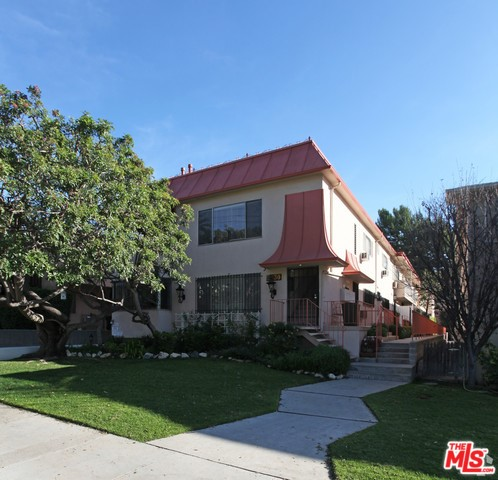 2130 N BEACHWOOD Drive, Los Angeles, CA 90068