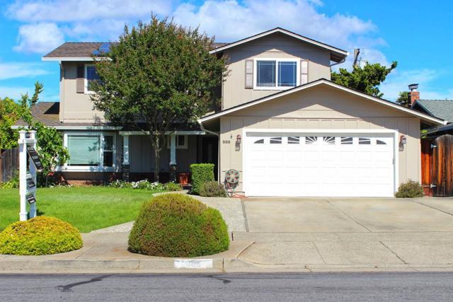 888 Blazingwood Avenue, Cupertino, CA 95014