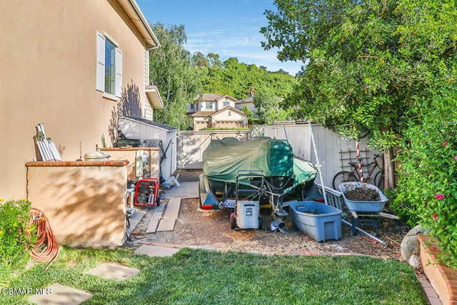 58. 215 Southcrest Place Simi Valley, CA 93065