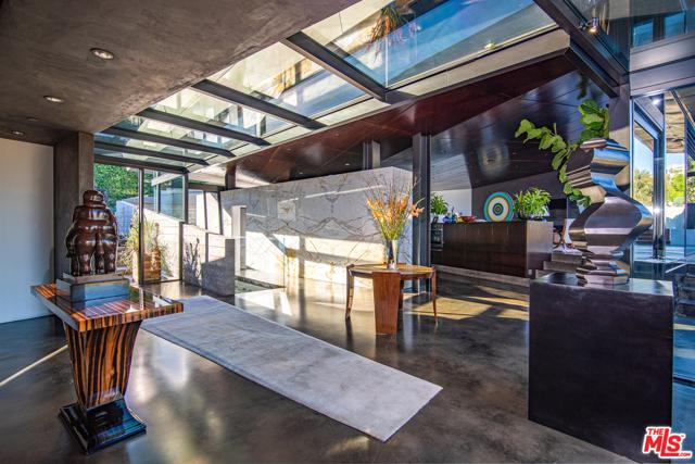 Image 8 of 314 N Barrington Ave, Los Angeles, CA 90049