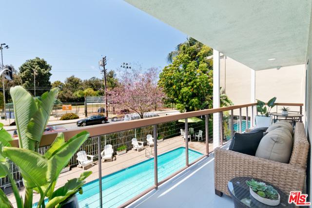 Patio space to garden or Bar B Que