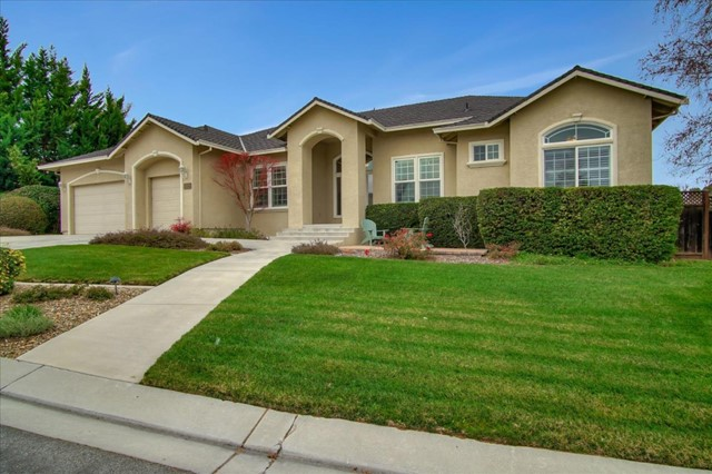 899 Oak Creek Drive, Hollister, CA 95023