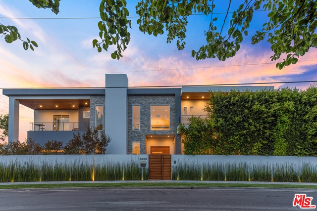 8455 OAKWOOD Avenue, Los Angeles, CA 90048