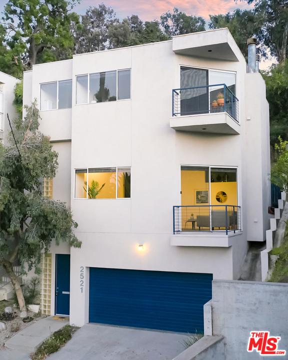 22. 2521 Silver Ridge Avenue Los Angeles, CA 90039