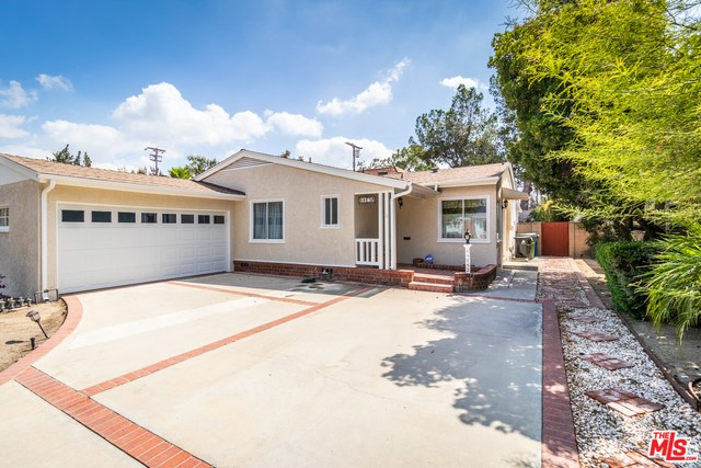 11752 COLLINS Street, North Hollywood, CA 91607