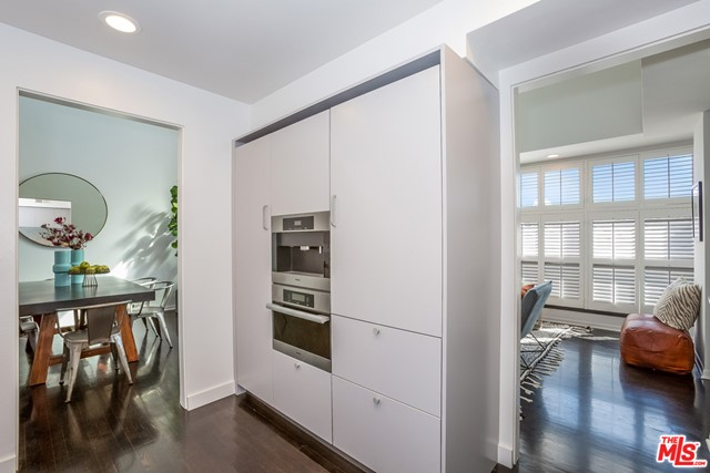 1217 24TH Street, Santa Monica, California 90404, 2 Bedrooms Bedrooms, ,3 BathroomsBathrooms,Townhouse,For Sale,24TH,20661064