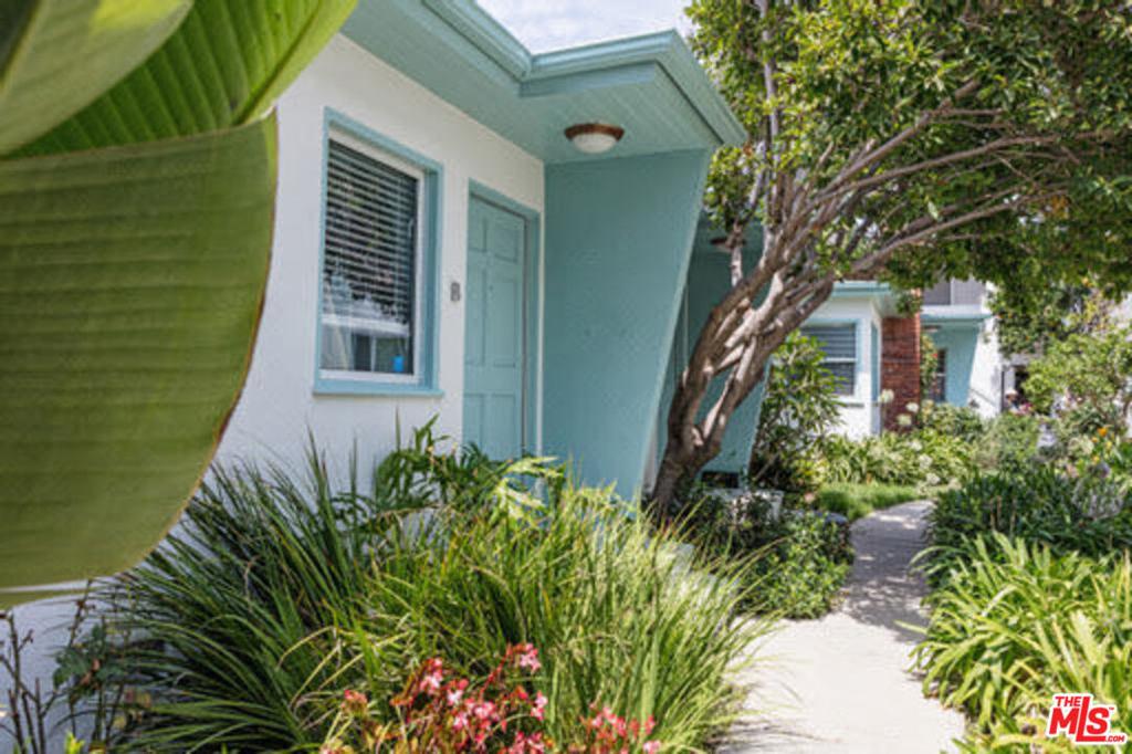1445     Stanford Street   B, Santa Monica CA 90404