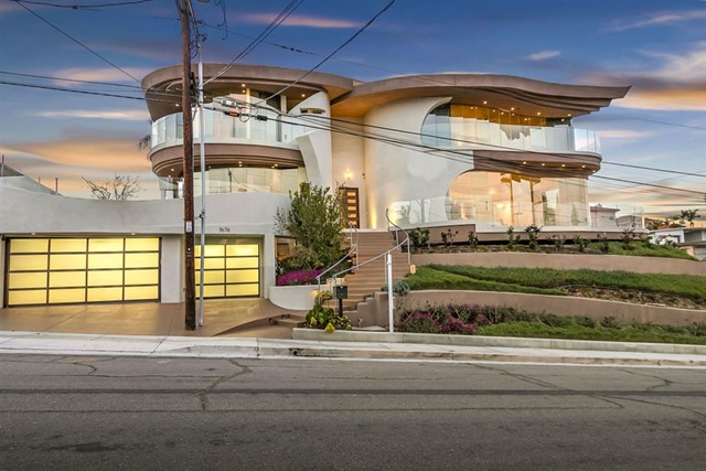 1676 Plum Street, San Diego, CA 92106