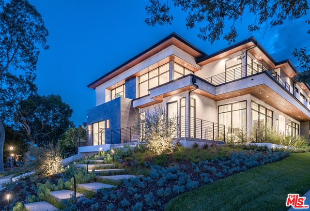 2401 S BEVERLY Drive, Los Angeles, CA 90034