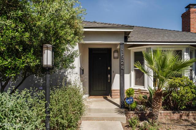 1524 N Grand Oaks Av, Pasadena, CA 91104 Photo 0